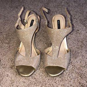 sparkling golden high heels!!
